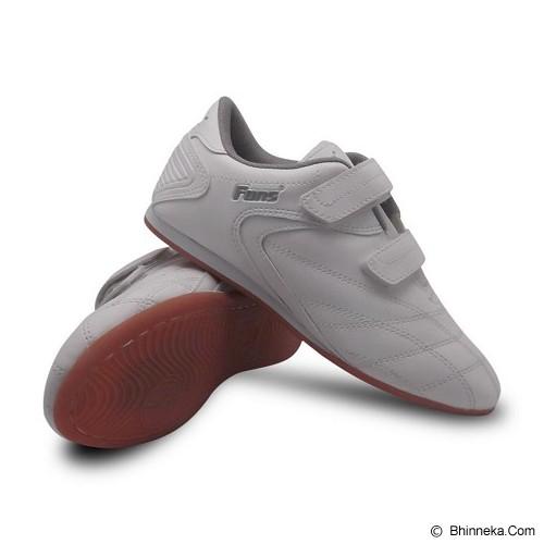 FANS Brio W Size 41 - White - Sepatu Futsal Pria