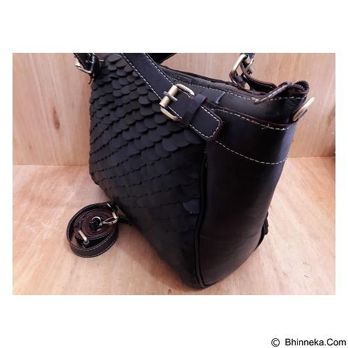 LIBERA_INDOO Tas Perahu Sisik Medium - Black (Merchant) - Shoulder Bag Wanita