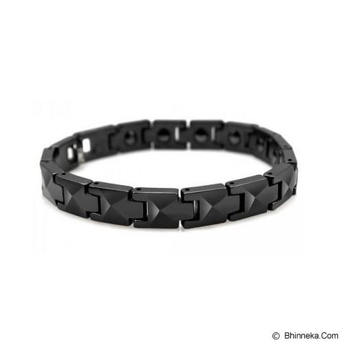 MEN'S JEWELRY Faceted Black Ceramic Magnetic Bracelet Size 19 [CMB190903-NV14] - Black - Alat Terapi Sendi