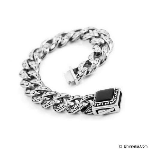 MEN'S JEWELRY Gravure Men Bracelet Titanium Steel Size L [TMB221504-MR15] - Silver - Gelang Pria