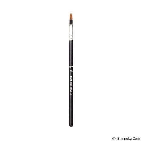 SIGMA BEAUTY E46 Shader Inner Corner™ - Kuas Make-Up