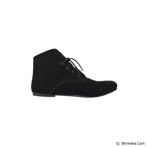 VEGA SHOES Husky Size 40 - Black - Flats Wanita