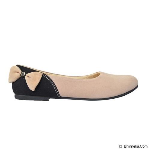 VEGA SHOES Bunny Size 38 - Cream - Flats Wanita