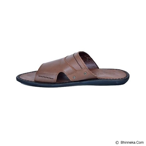 CLARITY Sandal Size 41 [BQ1065] - Brown - Sandal Casual Pria