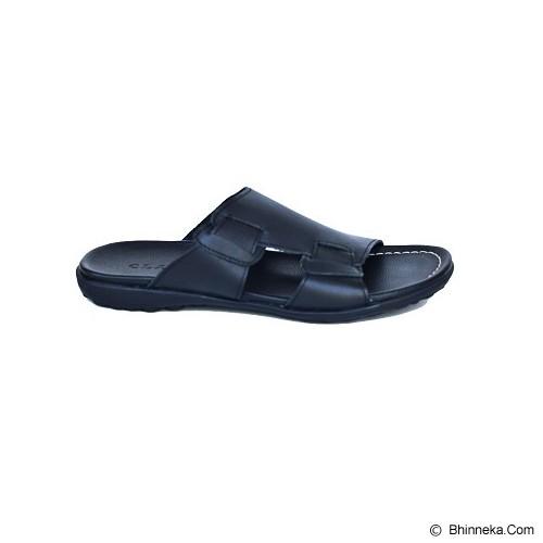 CLARITY Sandal Size 43 [BQ1167] - Black - Sandal Casual Pria