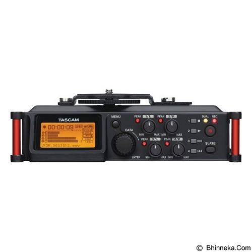 TASCAM Professional Field Recorder DR-70D (Merchant) - Audio Recorder