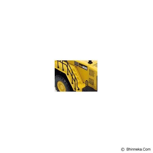 UNIVERSAL HOBBIES Komatsu WA 600 [UH8008] - Mainan Simulasi