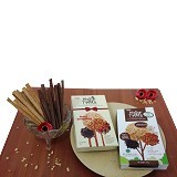 PESONA NUSANTARA Mister Timber Mix Raisin Strawberry Double Choco 2 box [CGK020037003801] Merchant - Kue Kering Lainnya